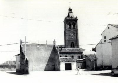 Imagen antigua de la plaza Mayor de Villaherreros. / Foto cedida por: Marta Díez