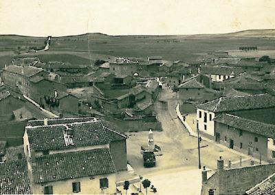Vista de Villaherreros tiempo después de la construcción del frontón. / Foto cedida por: Marta Díez