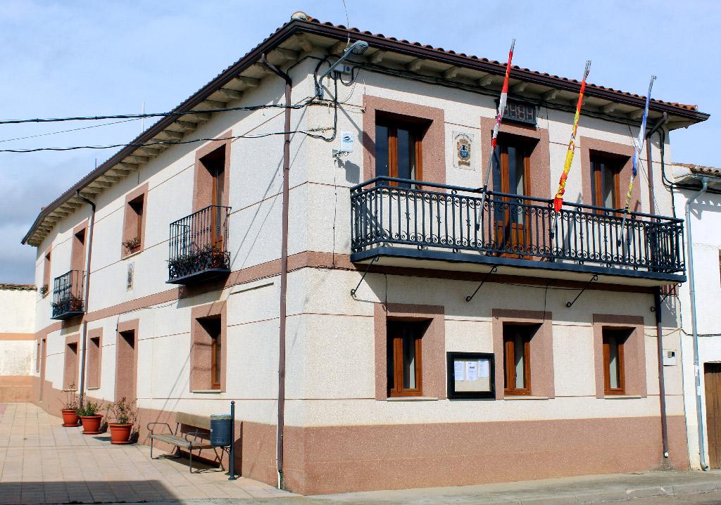 Edificio del Ayuntamiento de Villaherreros. / Foto: www.villaherreros.es