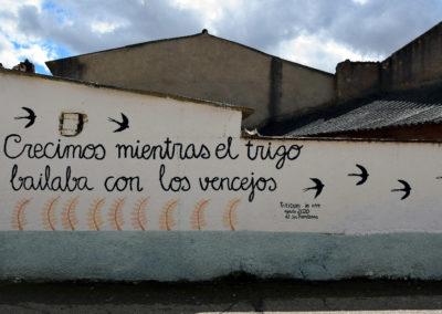 Mural elaborado por la AJ Sin Fronteras. / Foto: www.villaherreros.es